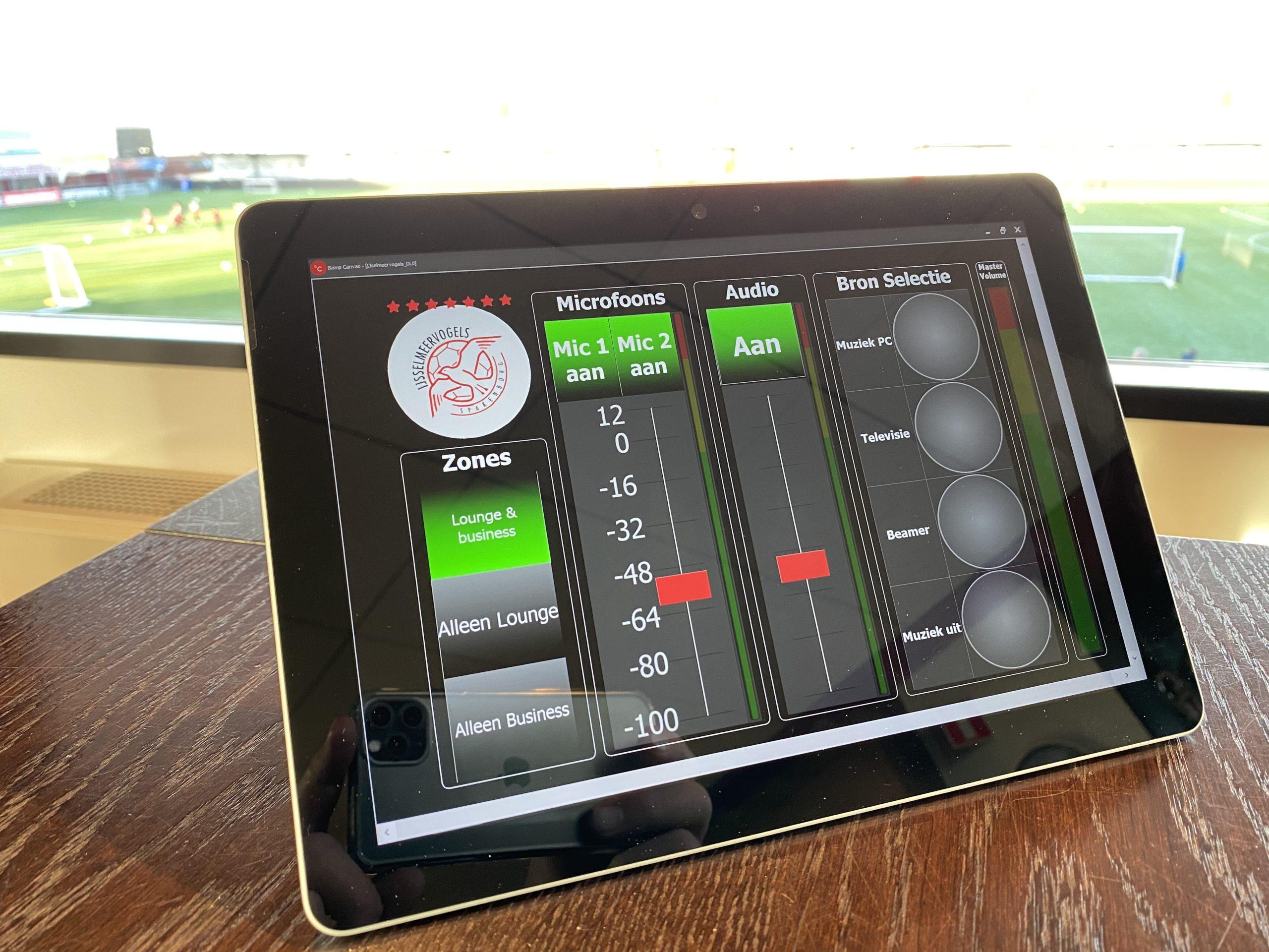 audiobediening met touchscreen